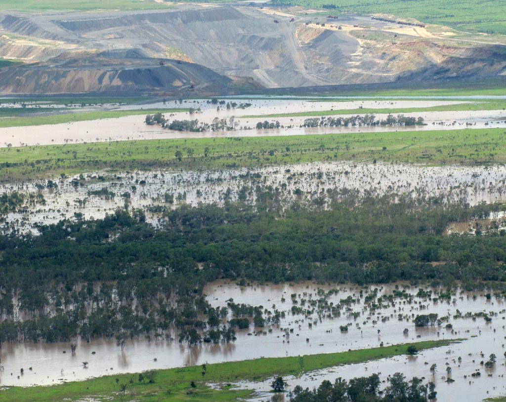Flooding in the Mackenzie River 2010–2011